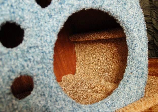 обклеиваем изнутри домик для кошки